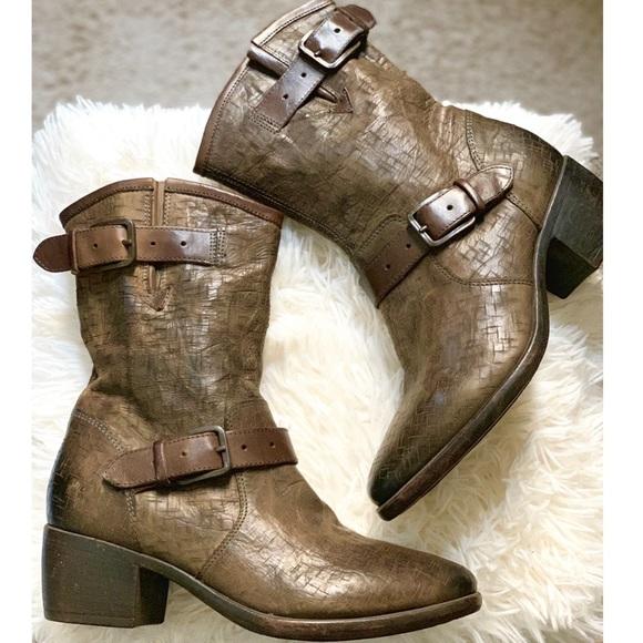8e0edce4492d6 UGG Australian Collection  Conchetta Weave  Boots.  M 5bf60e1c03087cb21db2219c